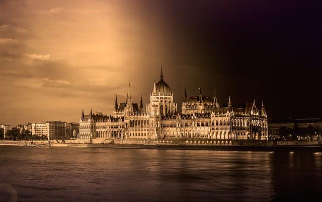 Parlament inverz