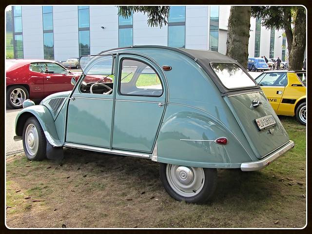 Citroën 2 CV AZL, 1956 _ Made in Belgium (Forest factory 1954-58)