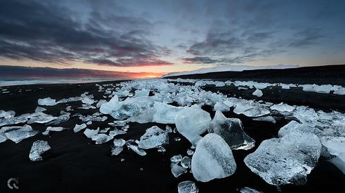 sunset seascape black hot cold ice beach diamonds landscape sand jökulsárlón d800 cresende lucroit