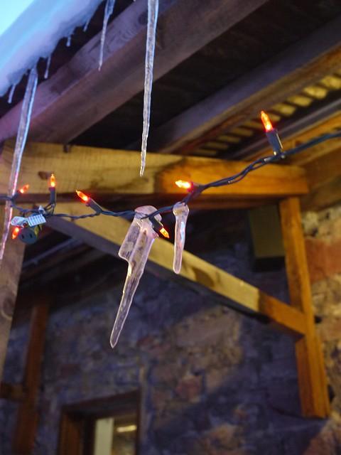 木, 2014-02-06 19:53 - 電飾の氷柱