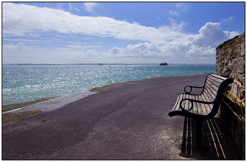 sea clouds bench bluesky solent portsmouth southsea a65 sal18250 happybenchmonday southseapromenade alpha65