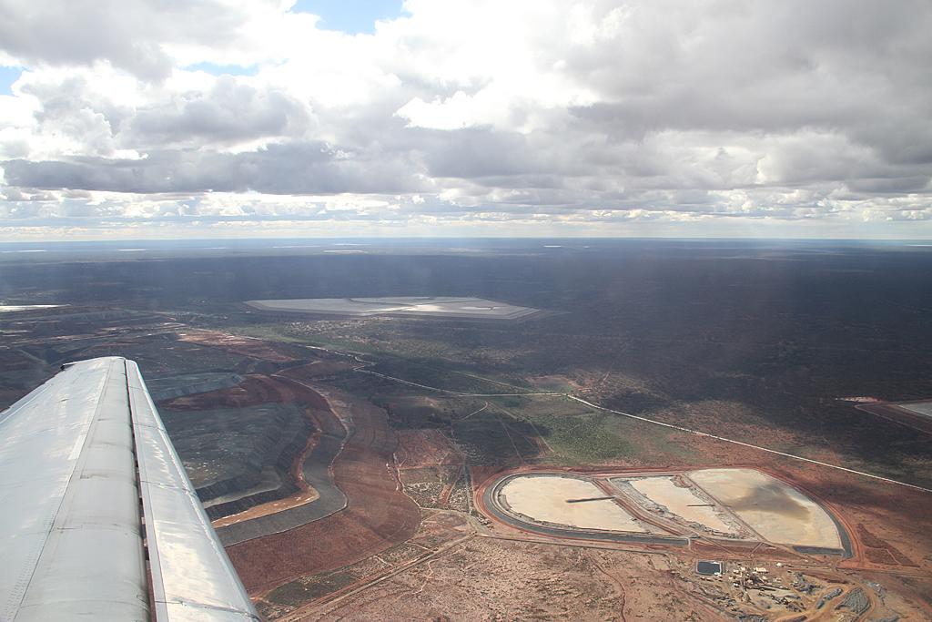 Qantaslink717-23S-VH-NXE-69
