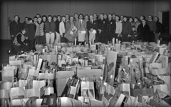 Packaging gifts 1963