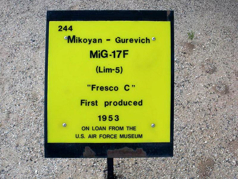 MiG-17F (1)