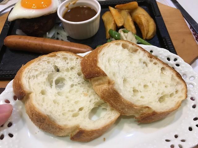我選了莎士比亞的麵包,但下次我應該會選飯@密特先生Mr.Meat