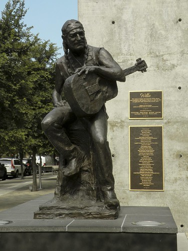 Willie Nelson Statue | by MattBritt00