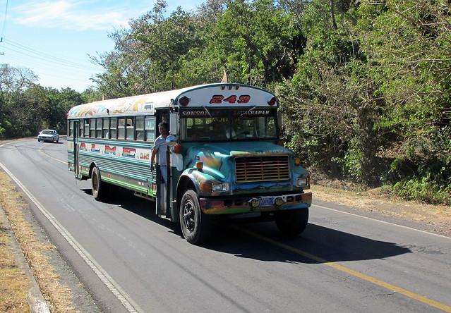 bus in el salvador