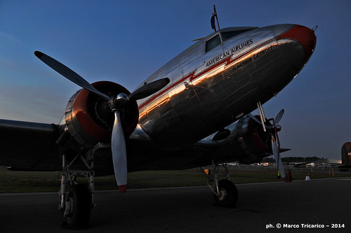 sunrise aircraft aviation airplanes propellers americanairlines dc3 aviazione liner aerei sunnfun aviationphotography flagshipdetroit