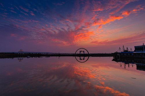 reflection sunrise canon harbor hsinchu burningsky 新竹 南寮 6d 日出 倒影 火燒雲 ef1635mmf4lisusm