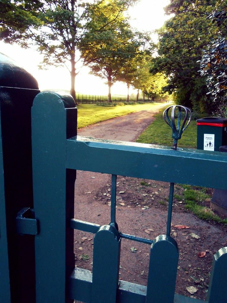 spring loaded gate latch | wendyhome com/2013/06/05/wentwort… | Flickr