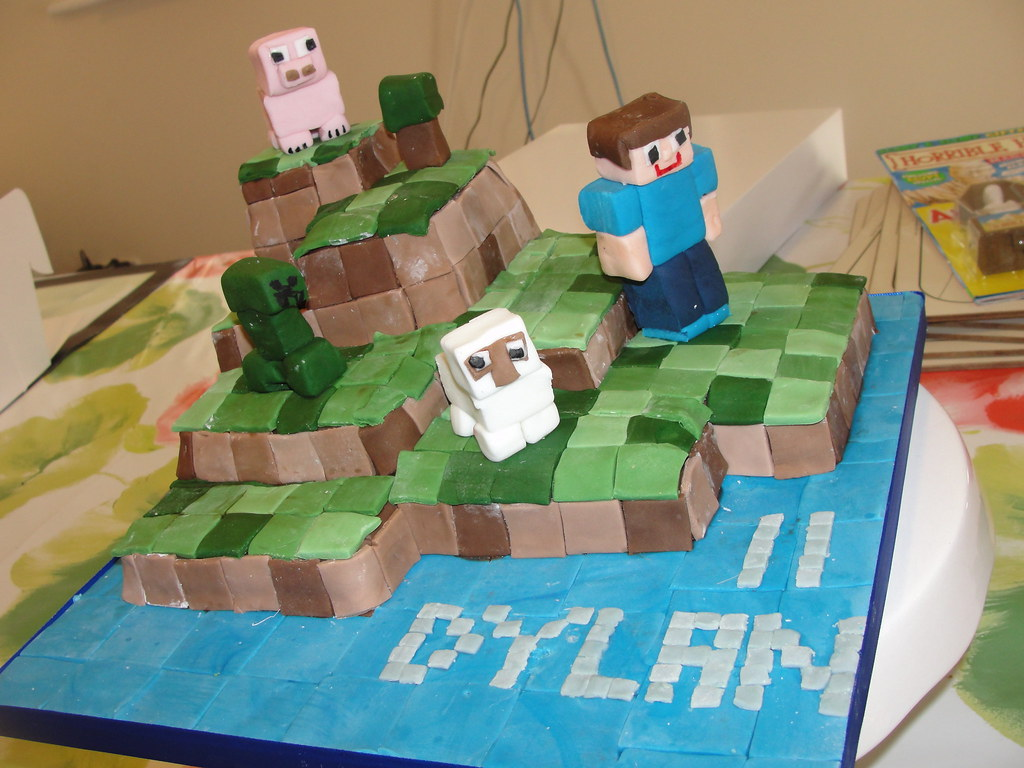 Phenomenal Dylans Minecraft Birthday Cake Anges Cakes Peterborough Flickr Funny Birthday Cards Online Alyptdamsfinfo