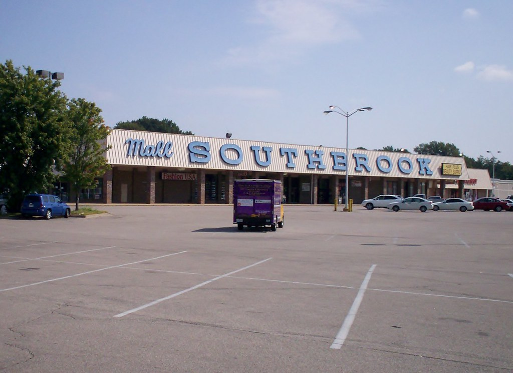 Southbrook Mall, stuck in 1972 (explored June 18, 2013)