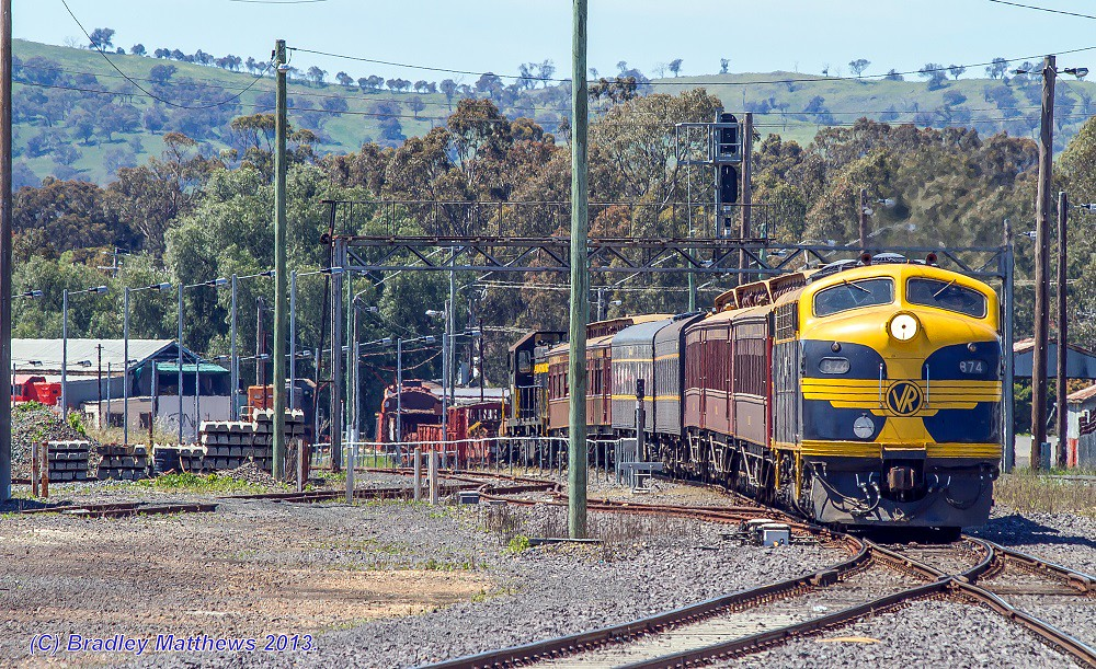 B74 & T378 on Push/Pull shuttle about to approahed at Seymour Station (19/10/2013) by Bradley Matthews