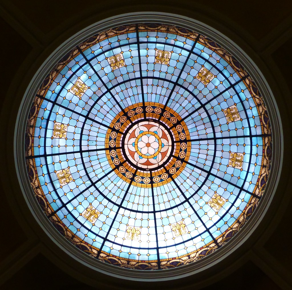 round stained glass window pics