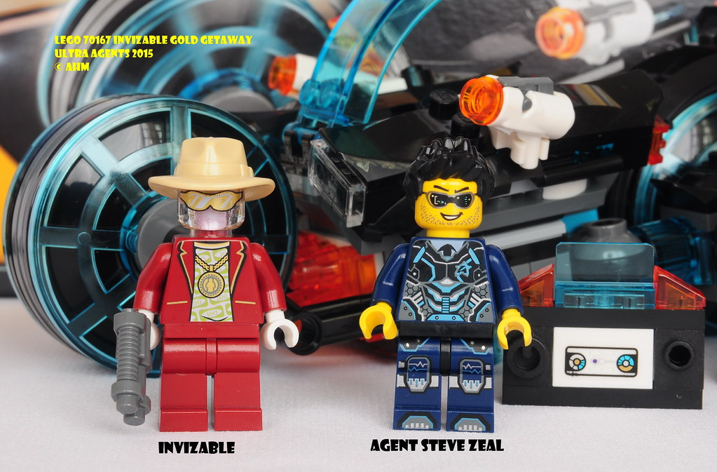 LEGO Ultra Agents Invizable Gold Getaway Toy