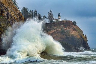 CapeDisappointment- huge wave   by natparksandmore