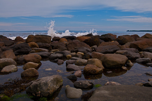 ocean seascape rocks day maine newengland rockland pwpartlycloudy