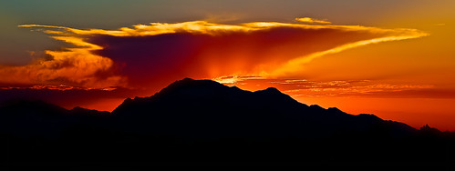 silhouette spain panoramic fireinthesky holidaytime mountainonfire communityofvalencia callasomountain
