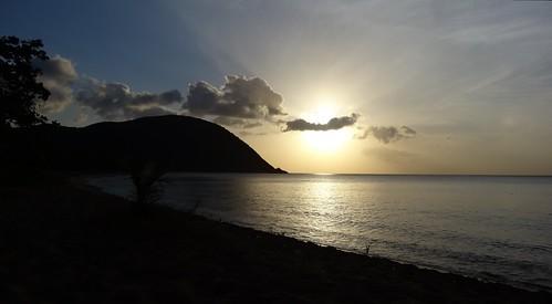 dsc05300 sea outremer guadeloupe antilles caraibes coucherdesoleil sunset plage beach grandeanse deshaies