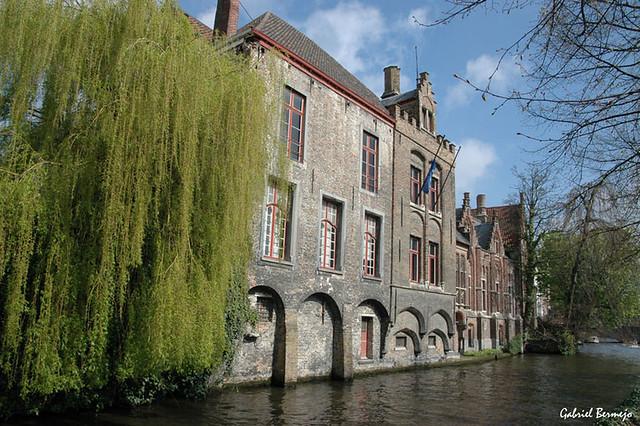 Mansiones en el canal - Brujas