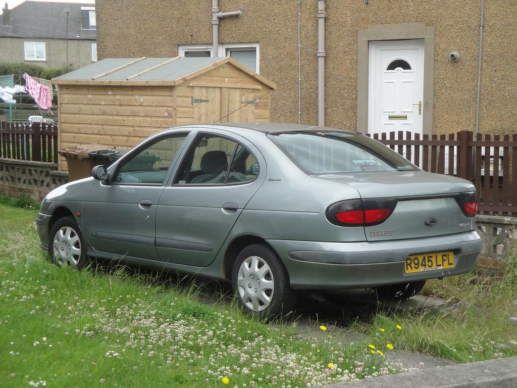 Fonkelnieuw 1998 Renault Megane Classic 1.6 RT | Currently SORN. | Alan Gold YL-86