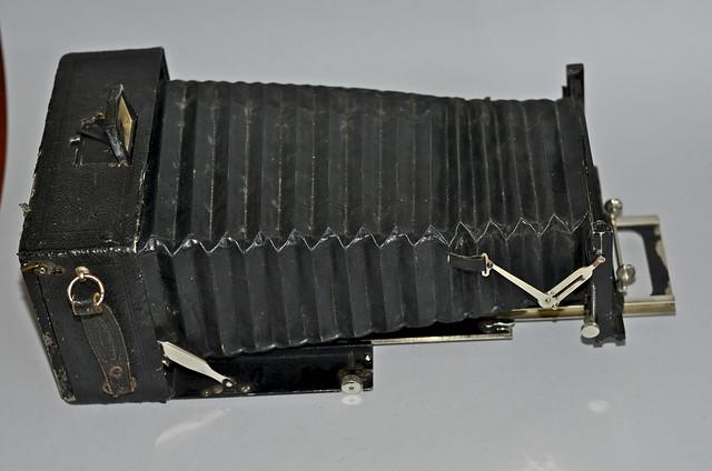Voigtländer Alpin 13 x 18cm plate camera, no lens 16
