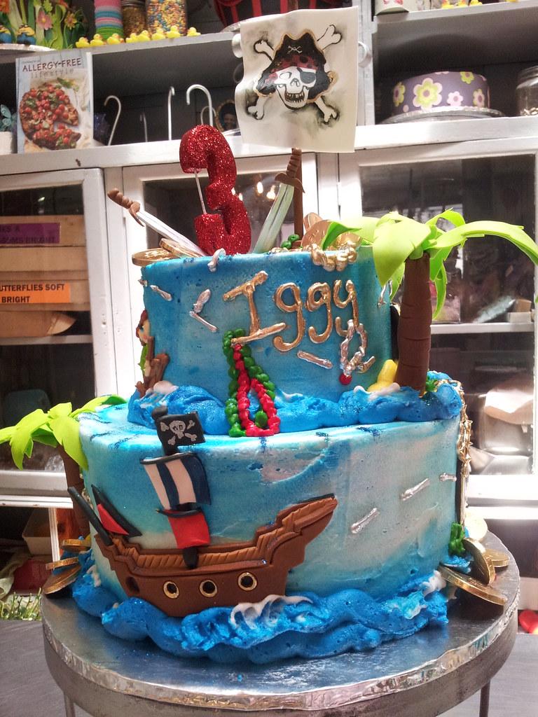 Pleasing 2 Tier Pirate Themed Birthday Cake Palm Tree Skull Cros Flickr Birthday Cards Printable Trancafe Filternl
