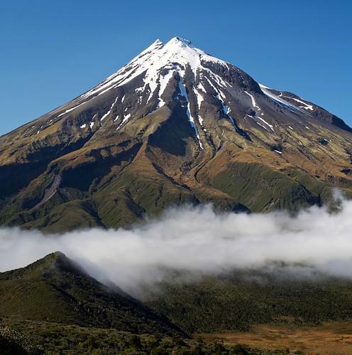 newzealand cloud mountain snow volcano northisland taranaki mounttaranaki mountegmont