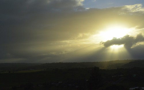 morning sky sun clouds sunrise landscape countryside haze shadows earlymorning australia nsw hazy lismore shaftsoflight northernrivers sunbehindcloud