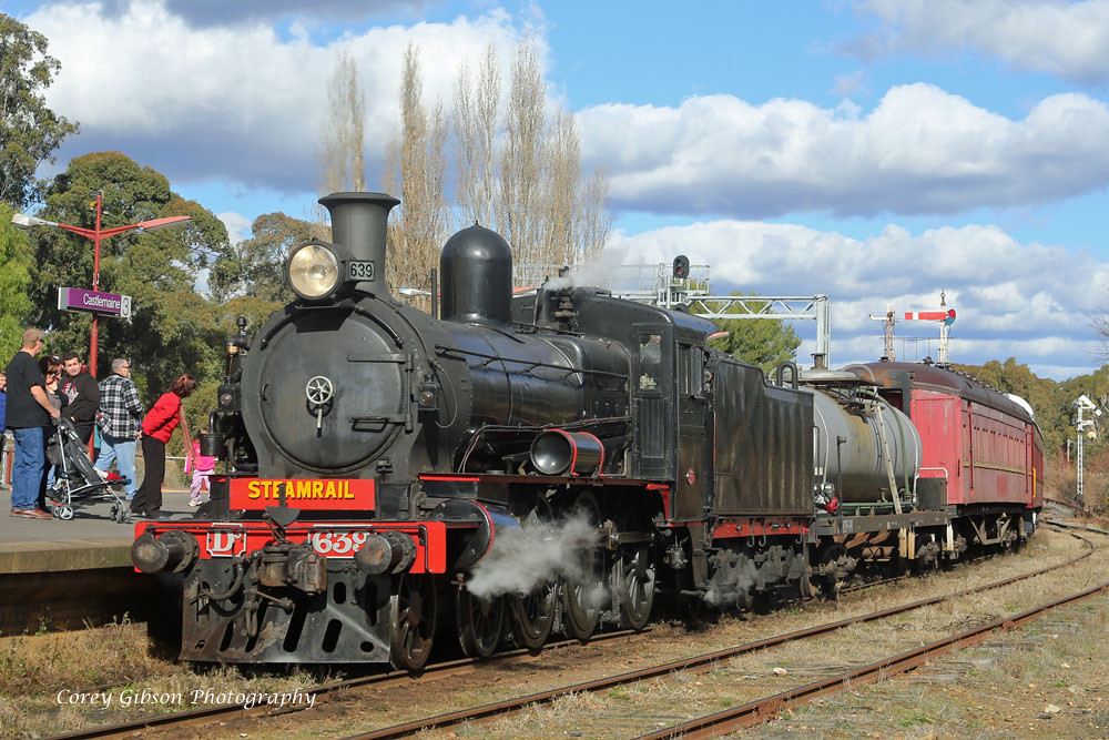D3 639 at Castlemaine station by Corey Gibson