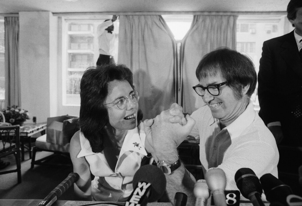 Bobby Riggs and Billie Jean King during a press conference for their before the Battle of the Sexes match. (Credits: Flickr)