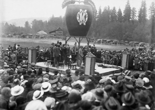 The Prince of Wales in Vernon, British Columbia during royal visit to Canada, September 1919 / Le prince de Galles à Vernon, Colombie-Britannique, pendant sa visite au Canada, septembre 1919