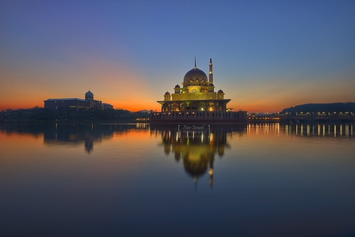 sunrise putrajaya hdr perdanaputra putramosque hdrphotography masjidputra putrajayalake sifoocom slicesoftime d800e nurismailphotography nurismailmohammed nurismail