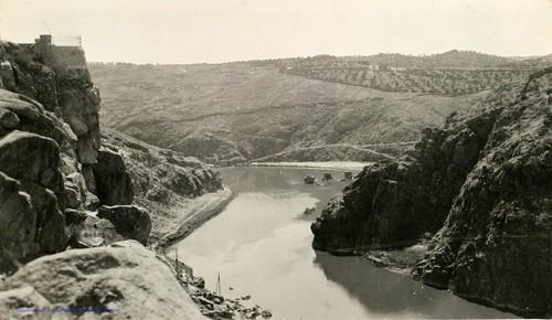 Río Tajo desde Roca Tarpeya en 1927. Fotografía de Joaquín Turina © Fundación Juan March | by eduardoasb