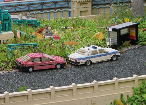 Lego cars - Jaguar XJ40 and Citroen BX? | by Spottedlaurel