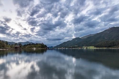 longexposure blue sunset summer sky lake water clouds canon landscape dawn austria see evening abend österreich wasser sommer hill himmel wolken berge blau 1018 landschaft wolfgangsee strobl langzeitbelichtung bewölkt 650d janettepaltian