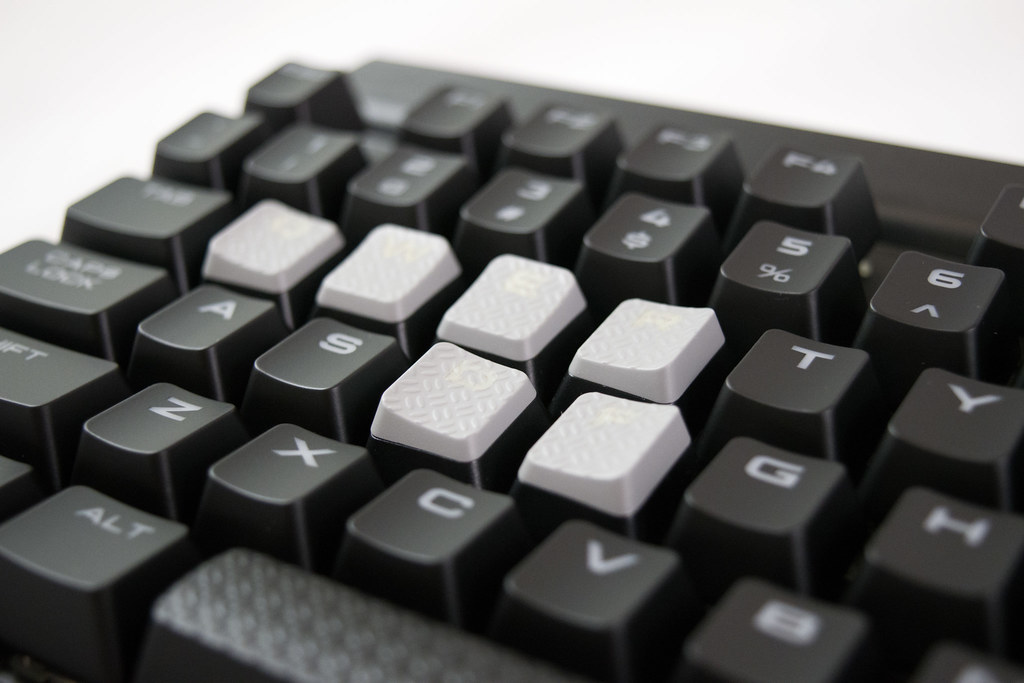 Corsair K70 Rapidfire Gaming Keyboard and Keys