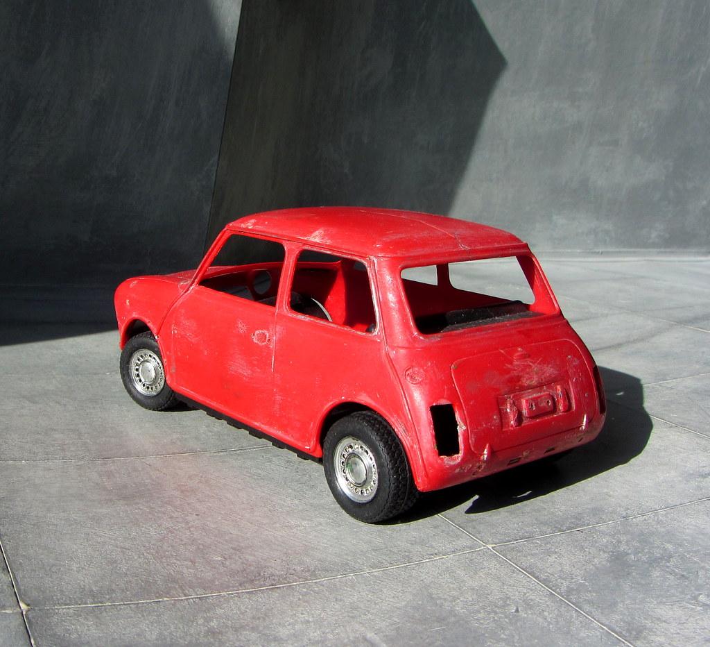 120 Scale Motorised Plastic Model Kit Of An Austin Mini C Flickr