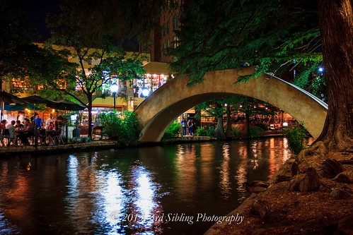 longexposure night sanantonio canon reflections landscape eos waterfall downtown texas photos tx scenic tourist noflash historic september 7d cascade riverwalk waterscape 2013 canon7d don3rdse 3rdsiblingphotography