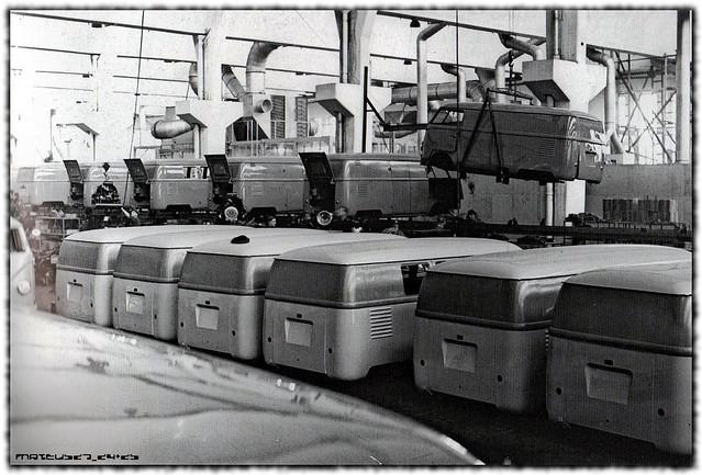 VOLKSWAGEN_Kombi_factory-12x
