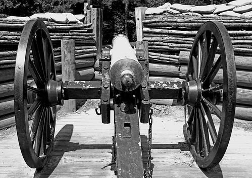 Siege Cannon in Stockade