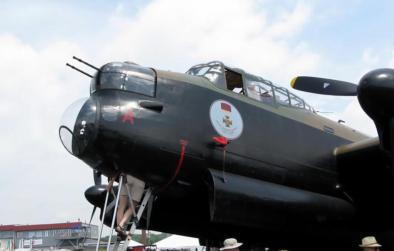 Avro Lancaster B (1)