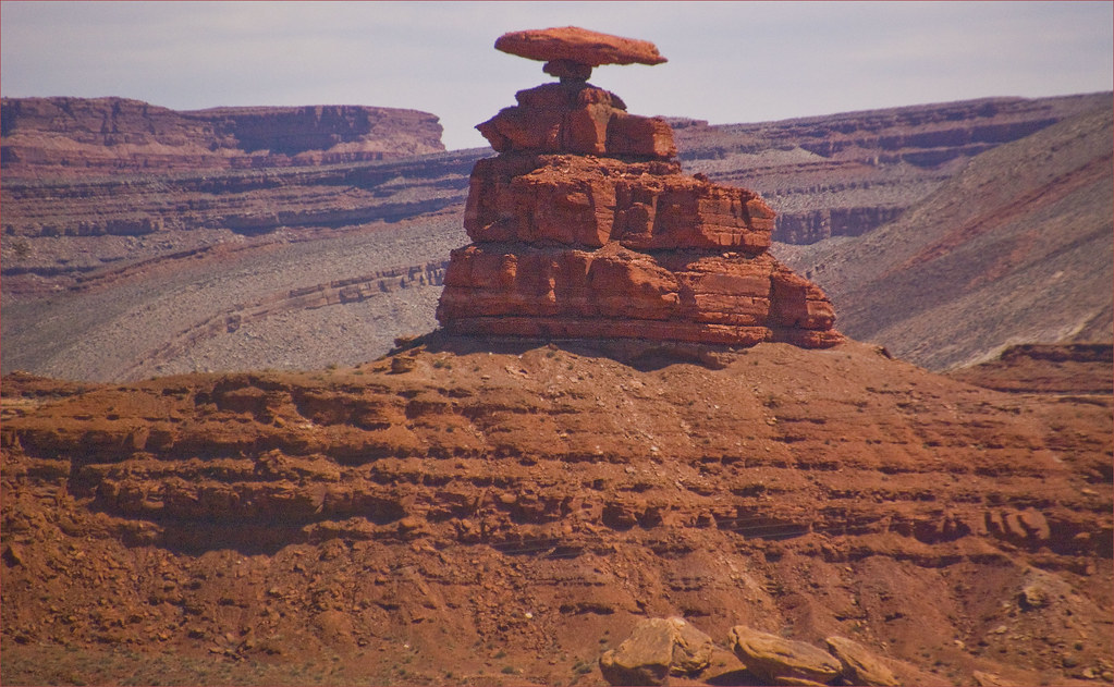 Mexican Hat Rock -- Mexican Hat (UT) Near Monument Valley … | Flickr