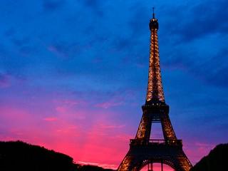 La torre Eiffel con una luz impagable | by JuanLuisPolo