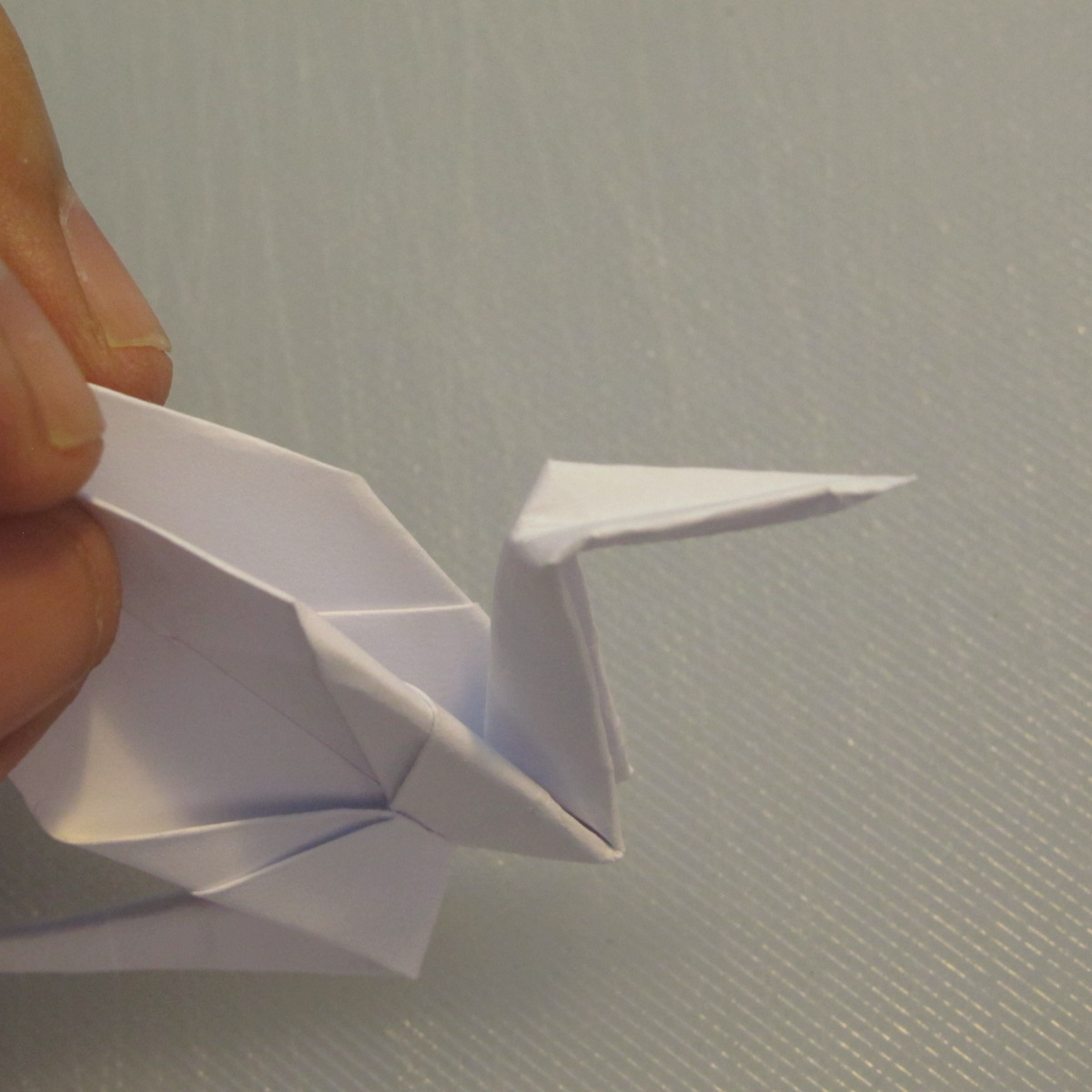 วิธีพับกระดาษเป็นรูปนกกระเรียน 014