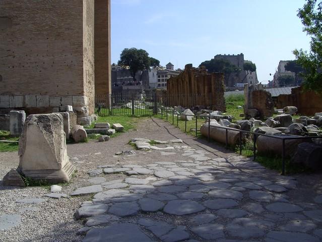 Argiletum between Curia Julia and Basilica Aemilia