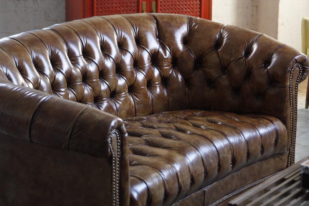 Sensational Handsome Vintage Cognac Leather Tufted Chesterfield Sofa S Machost Co Dining Chair Design Ideas Machostcouk