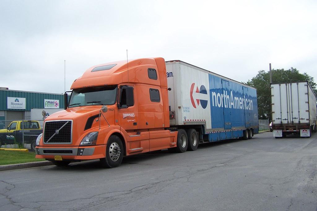Volvo Trucks Canada >> Volvo Truck And North American Van Lines Trailer Ottawa O Flickr