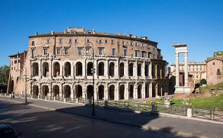 Teatro di Marcello, Rom | by alexanderferdinand