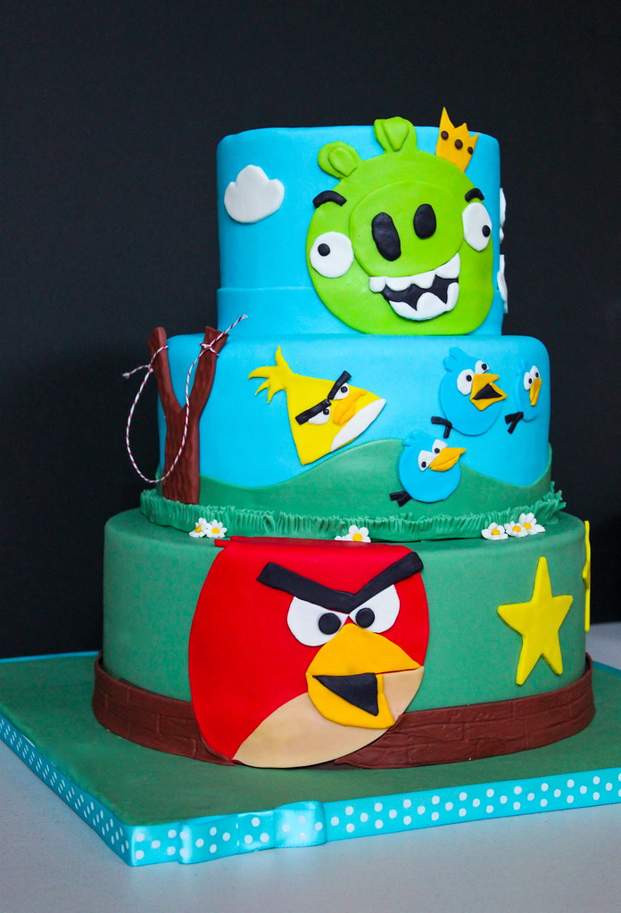 Angry Birds birthday cake   Maryanne Cabrera   Flickr